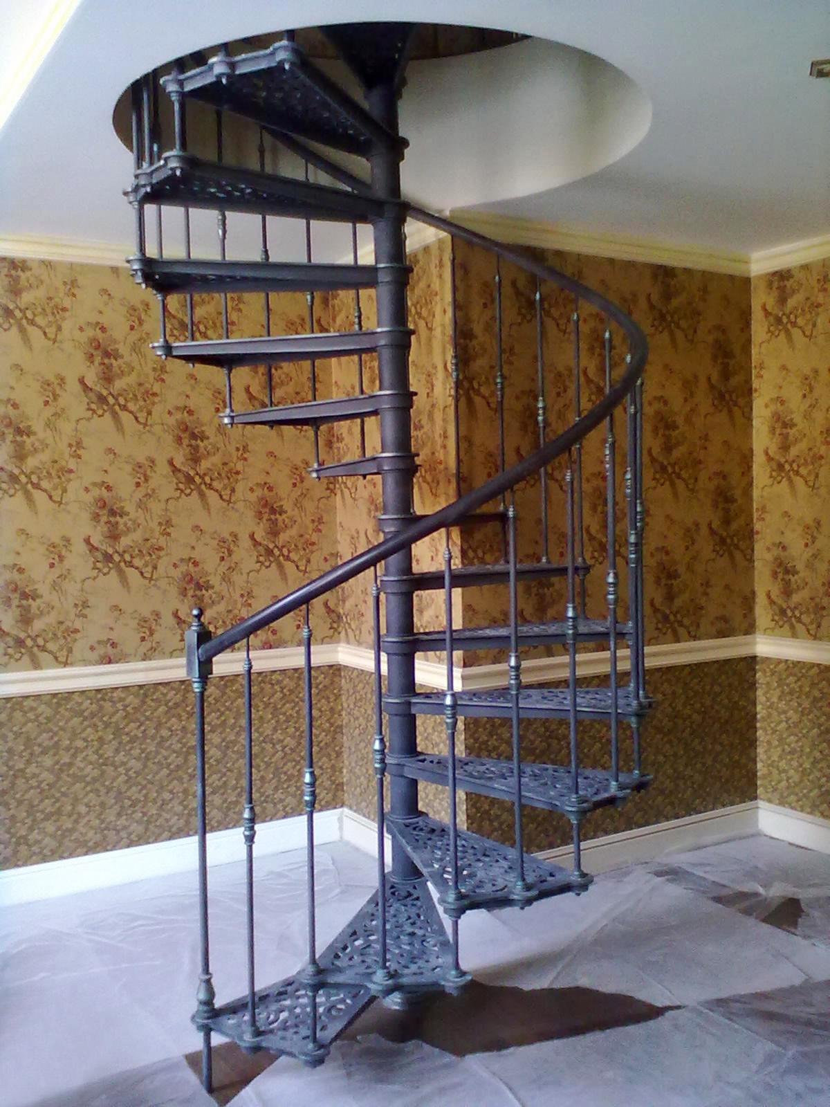 Как сделать винтовую лестницу из металла 53